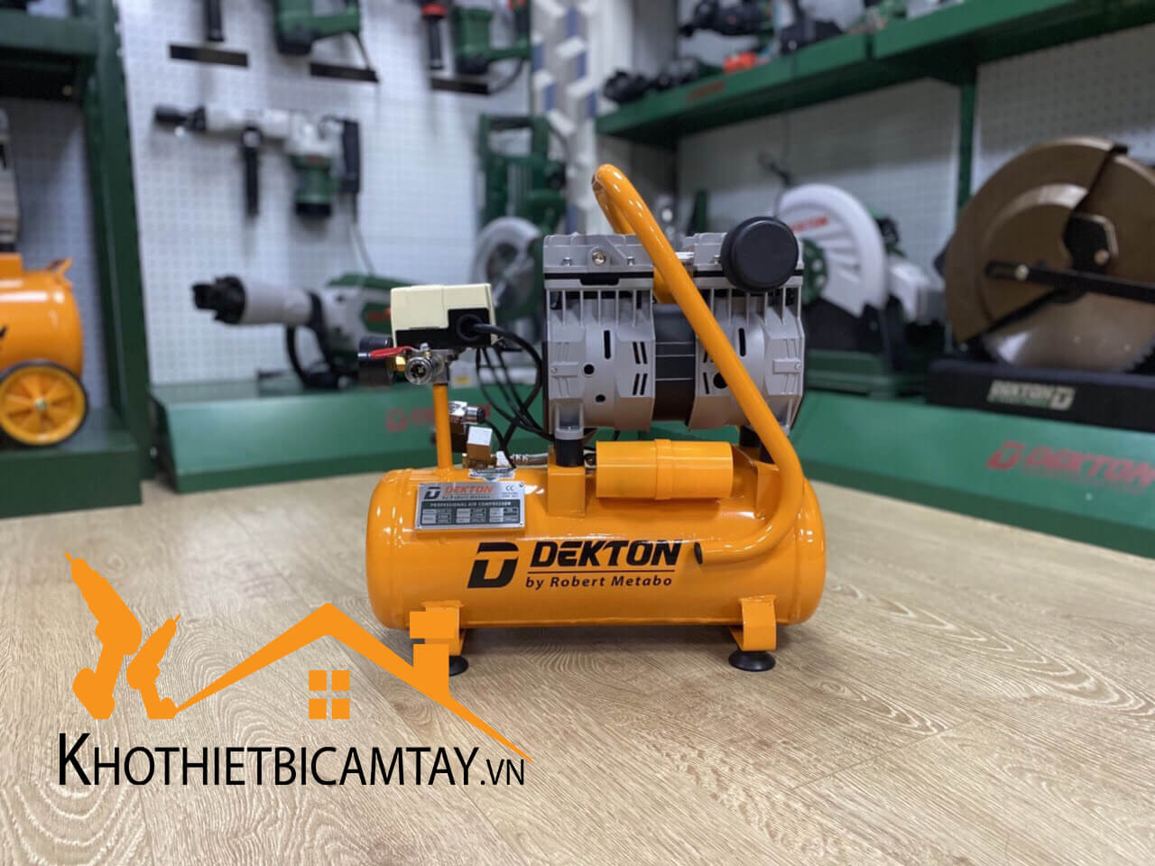 Bơm hơi không dầu Dekton DK29-12